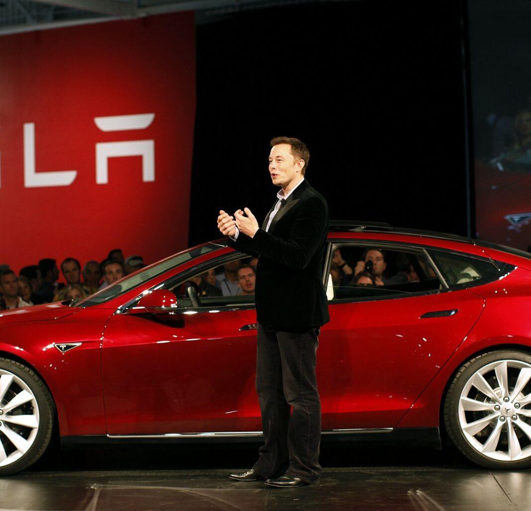 Tesla, Musk