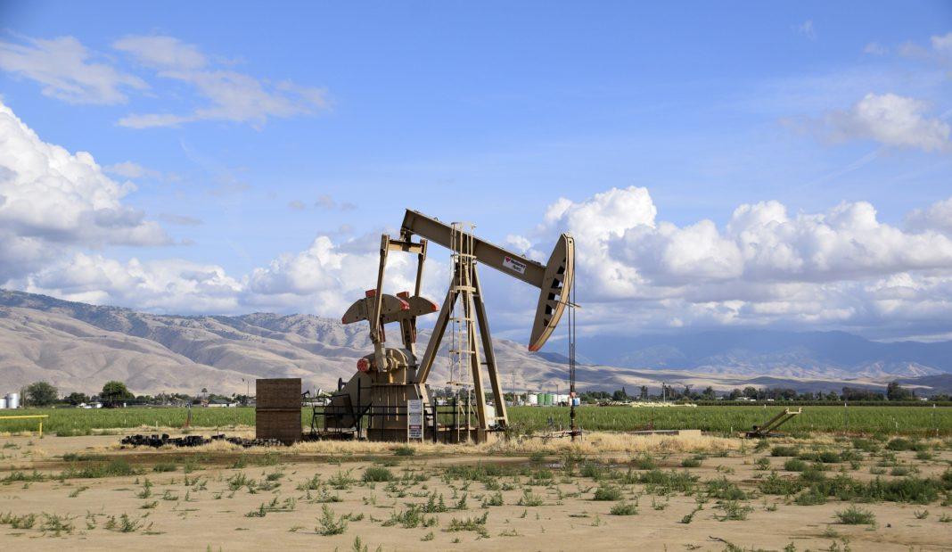 ropa, těžba