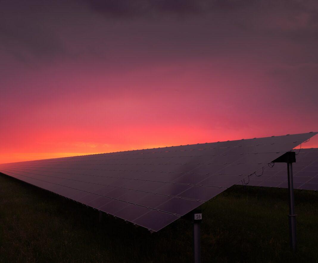 solární energie, solární elektrárny, obnovitelné zdroje, energetika