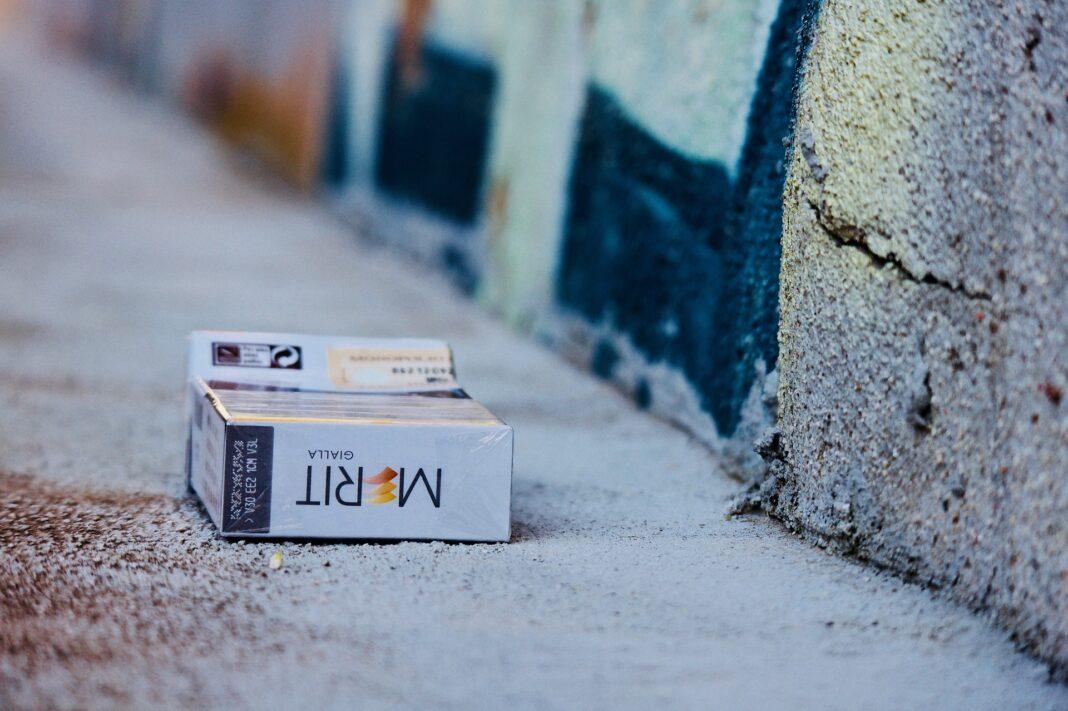 cigaretová krabička, cigarety, tabák